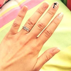 Glistening Sands Manicure
